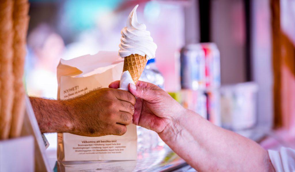 「ソフトクリーム 日世 食べる」の画像検索結果